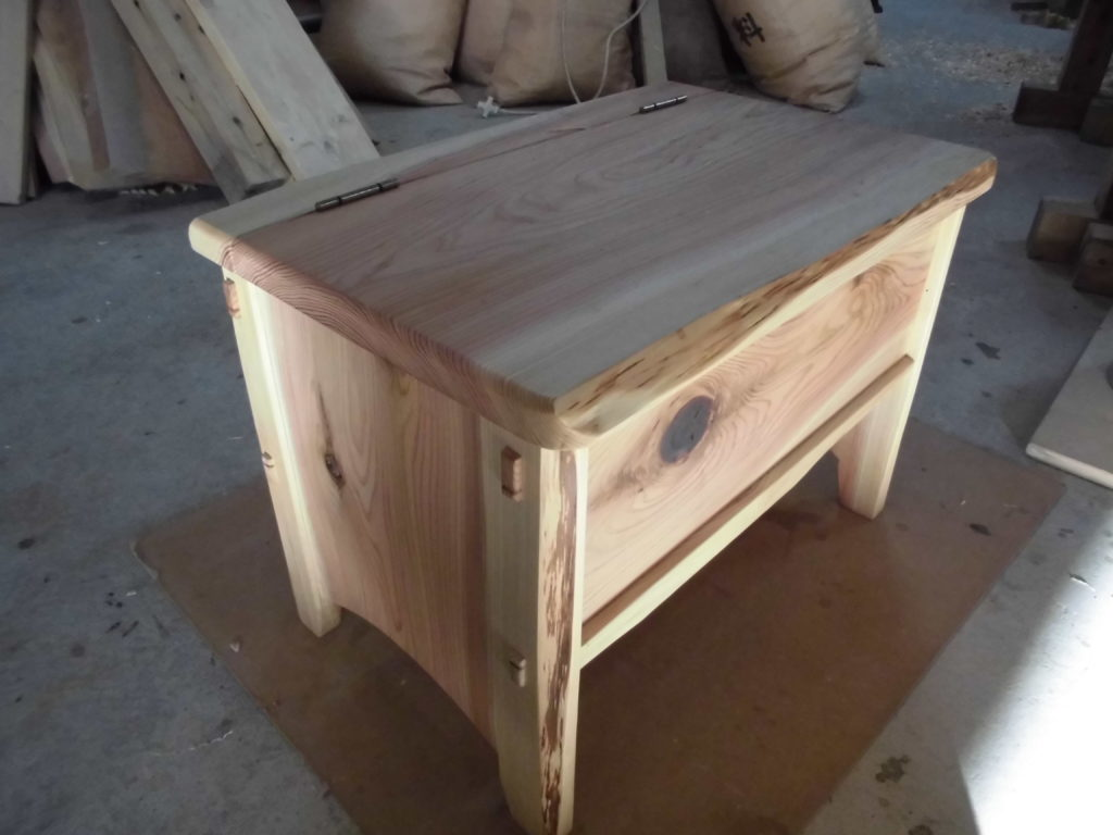 八溝杉の家具